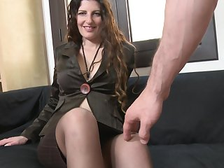 Brunette MILF in stockings and heels Sabrina Deep rides a big broad in the beam horseshit