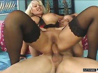 Sexy MILF with big tits is hot for her new neighbor and she wants to fuck