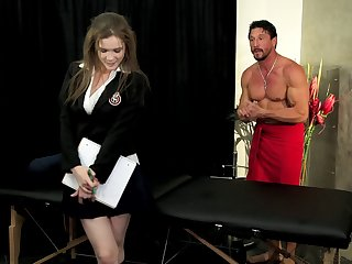 Brunette uncle gets a massage and a nice poundage