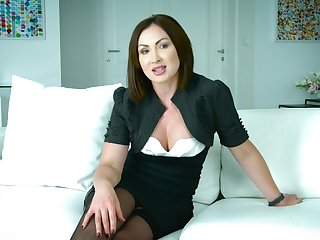 Mouth watering Australian porn misdirect Yasmin Scott gives an interview