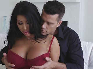 Hot MILFie Latina knockout with giant boobies August Taylor wanna some sideways fuck