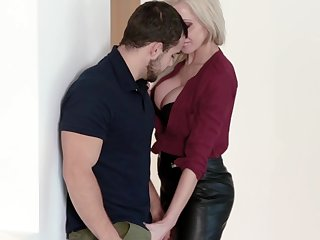 MILF craves for sex at make an issue of office and it's make an issue of new guy who's gonna fuck the brush