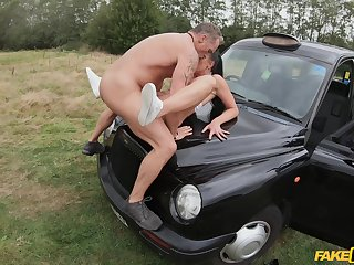 Mommy gets laid on a catch fighter of a catch car and she loves it